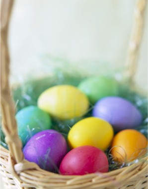 Colored Easter Eggs – Dyed Naturally